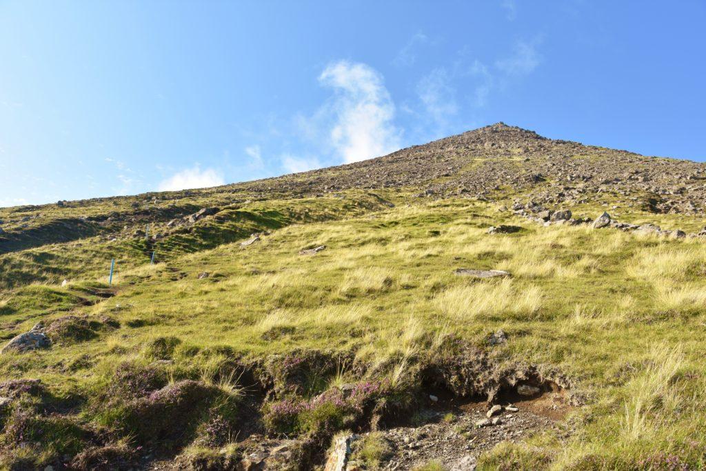 Il ripido sentiero del Villingardalsfjall