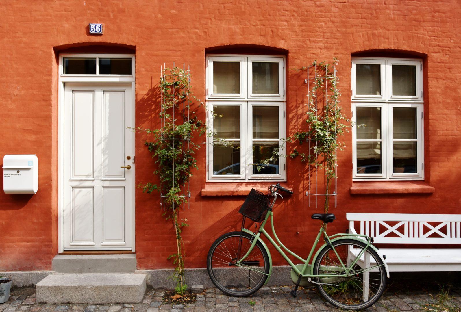 Case colorate e biciclette a Copenaghen