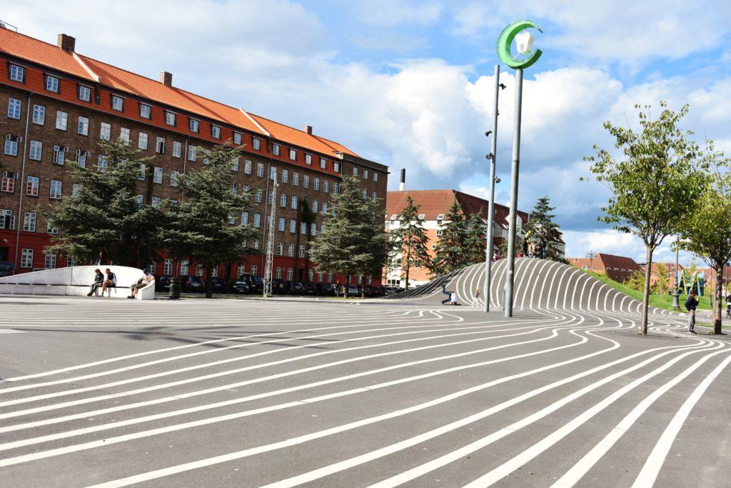 Le forme del Parco urbano di Superkilen