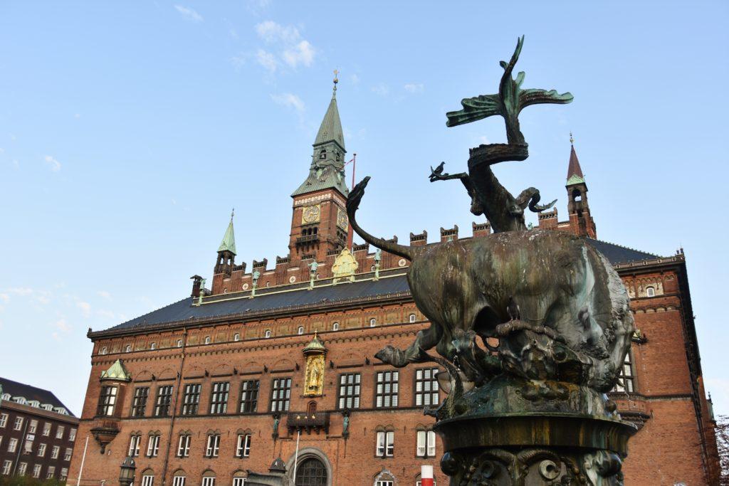 La Rådhuspladsen, la piazza principale di Copenaghen
