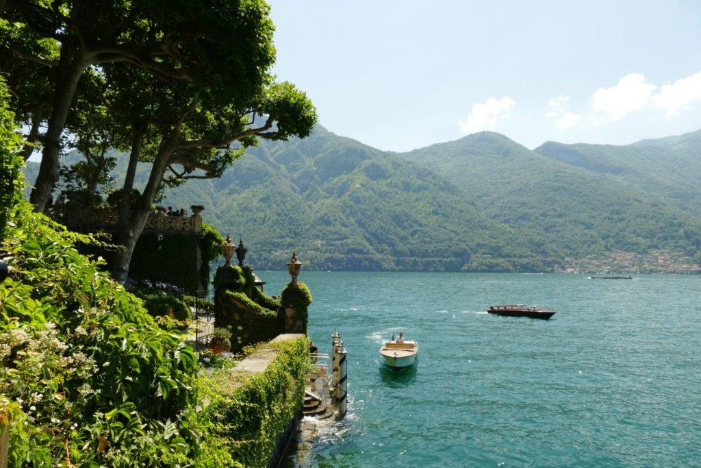 L'accesso alla Villa dal Lago