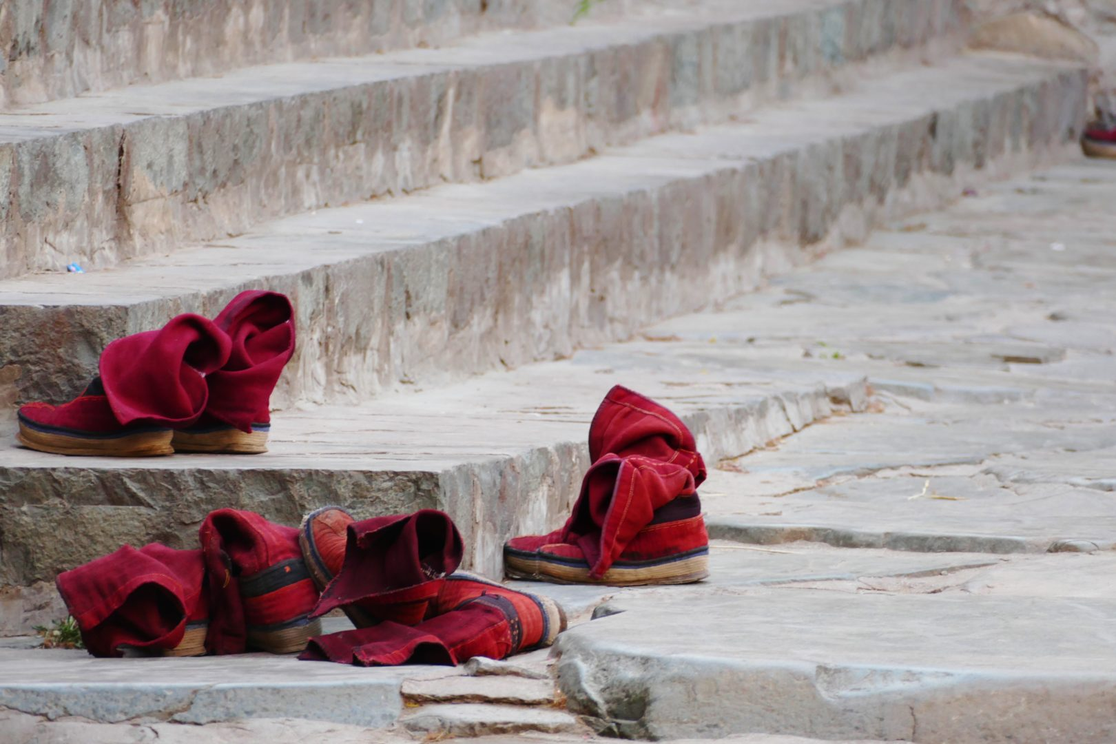 Scarpe tradizionali dei monaci