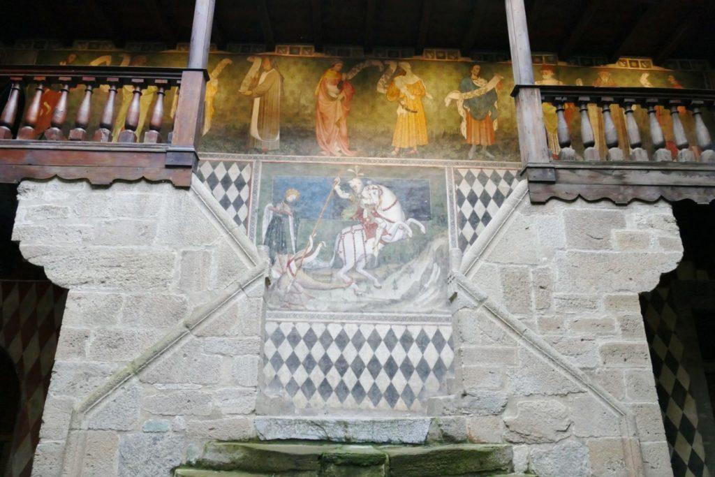 Lo scalone interno del Castello di Fenis