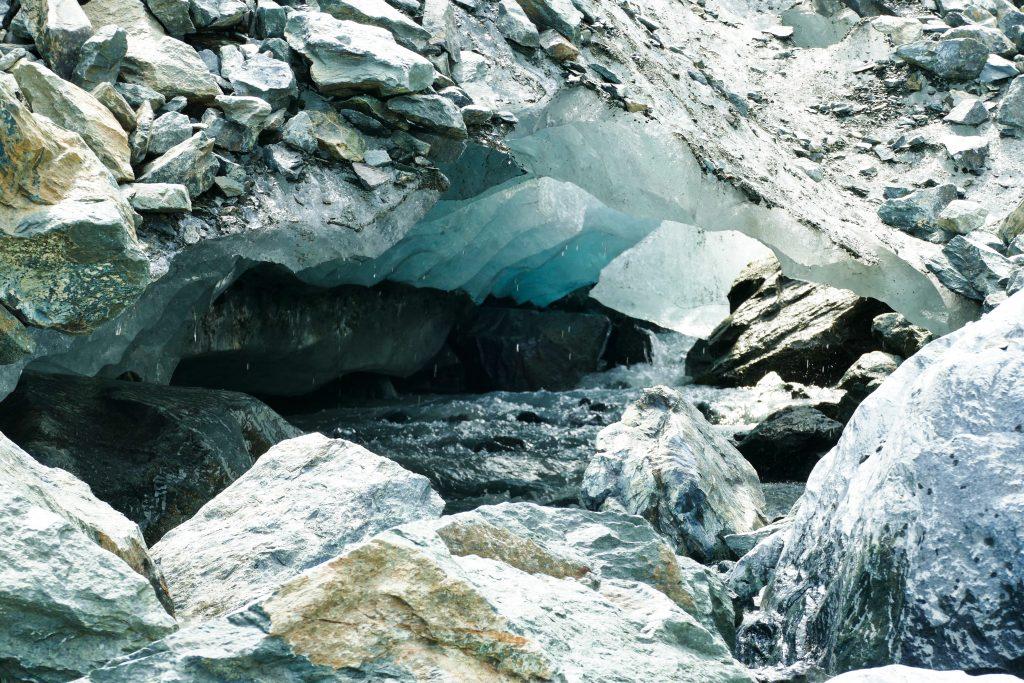 Dettaglio della fronte del ghiacciaio