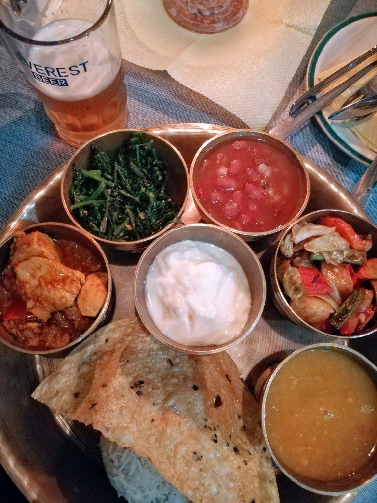 Una tipica cena nepalese