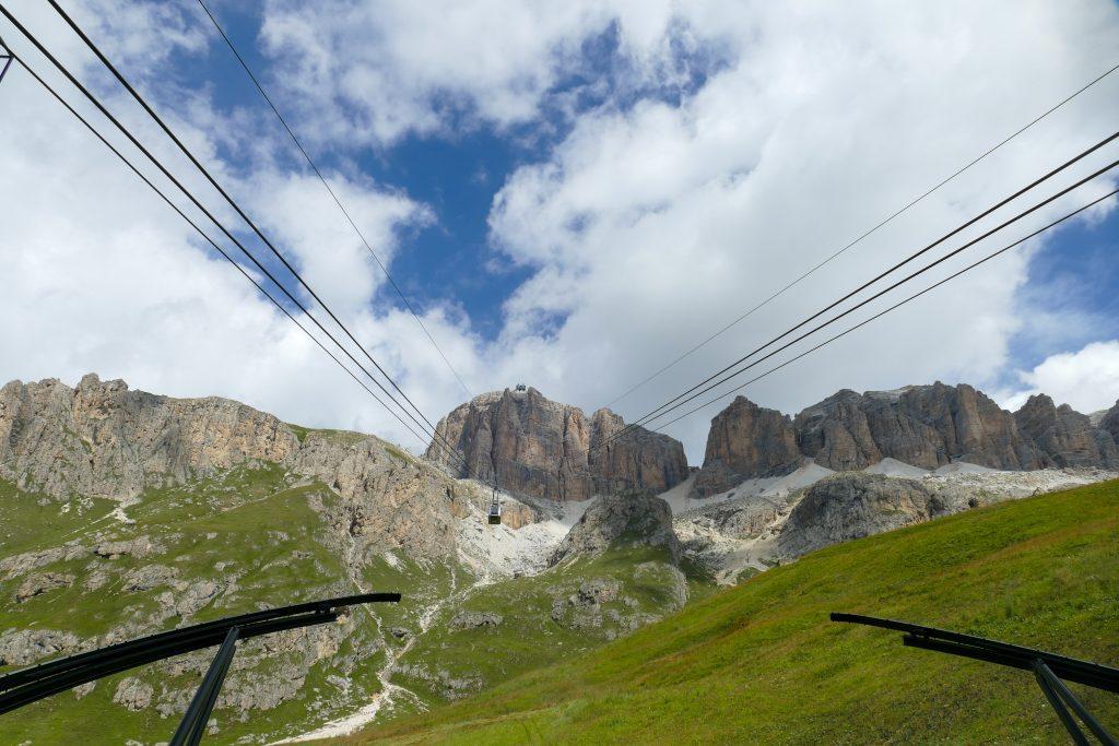 Sass Pordoi, la terrazza delle Dolomiti: escursione al Piz Boè