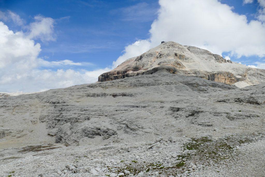 La cima piramidale del Piz Boè