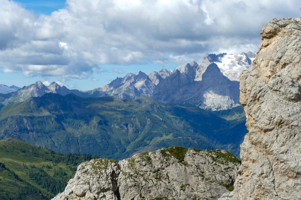 Trekking alle Cinque Torri dal Passo Falzarego