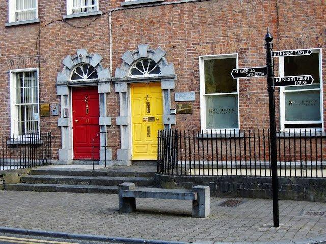 Porte colorate a Kilkenny