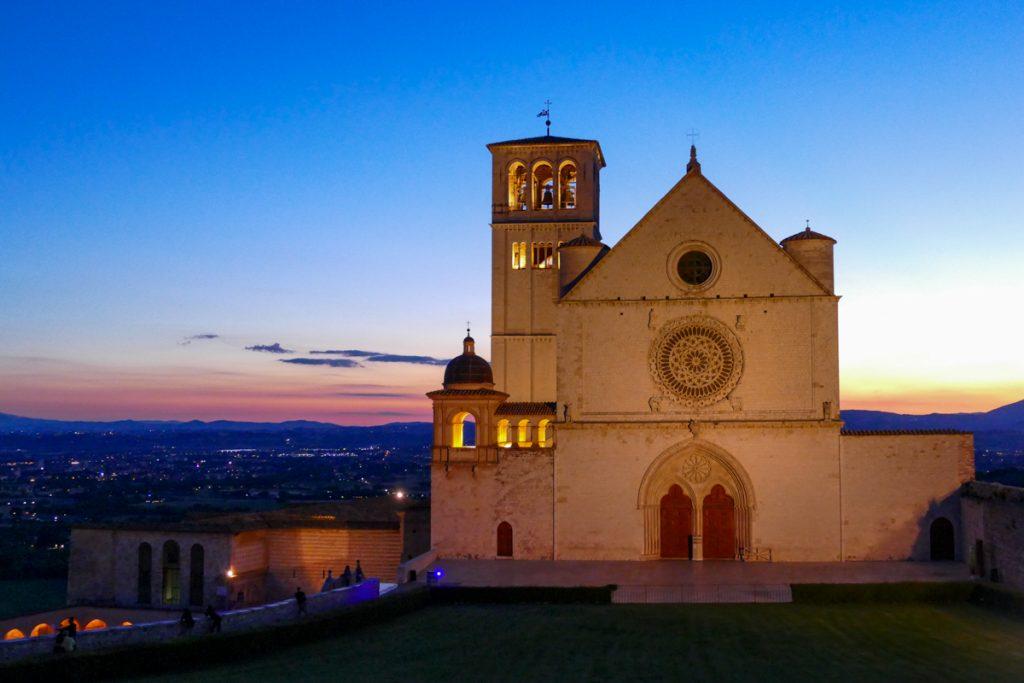 Tramonto sulla Basilica di San Francesco