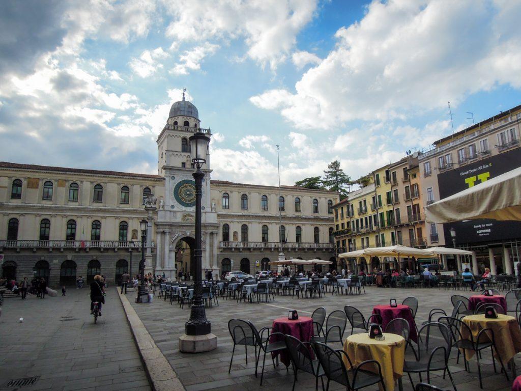 Tavolini in Piazza dei Signori